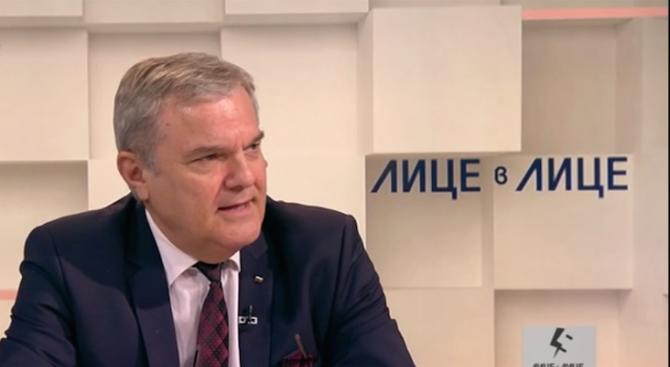 Румен Петков: Предложението за отмяна на машинния вот е грозно и пошло