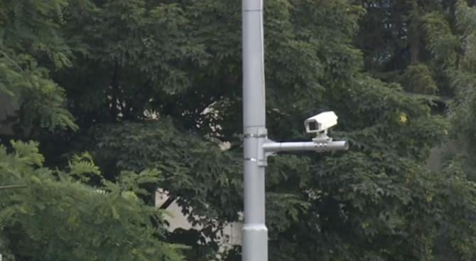 Камери снимат шофьoри в бус лентите на столичен булевард в ремонт
