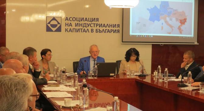 Министърът на енергетиката Теменужка Петкова участва в проведеното заседание на
