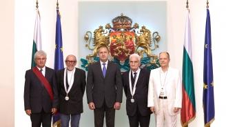 Румен Радев връчи висши държавни отличия на четирима изтъкнати българи