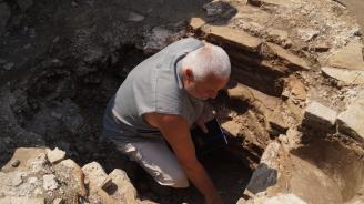 """Нова култова сграда разкриха археолозите в античния град """"Мисионис"""" край Търговище"""