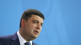 Пари за парад запалиха спор между украинските премиер и президент