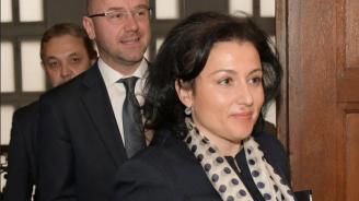 Министър Десислава Танева: Недостигът на работна ръка е най-големият проблем за малинопроизводителите