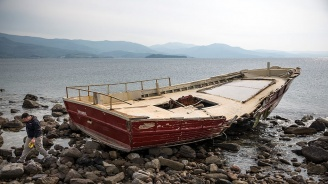 До края на деня възстановяват тока и водата след бурята в Гърция