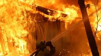 Цех за дървообработка горя в Твърдица