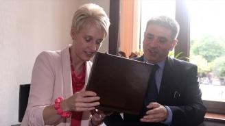 Министър Кирилов запозна Н. Пр. Ема Хопкинс със законопроекта за разследване на тримата големи в съдебната власт