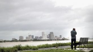 Ураганът Бари засега щади Луизиана и Ню Орлиънс,но обстановката остава напрегната