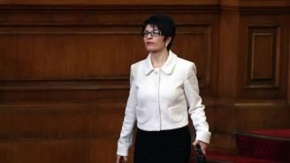 Десислава Атанасова: Цената на машинното гласуване ще бъде още по-висока за местните избори