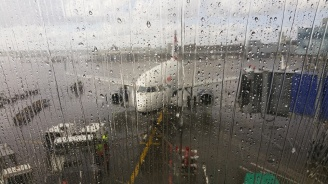 Отменени полетии изнервени туристи наЛетище Бургас