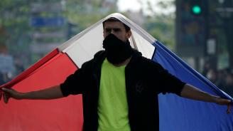 Безредици в Париж след военния парад