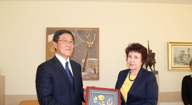Китайска делегация, водена от главния икономически съветник на кмета на