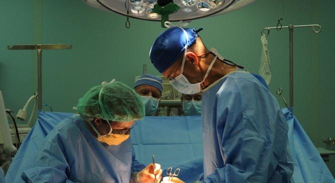 100-годишна жена с тумор на гърдата беше успешно оперирана в