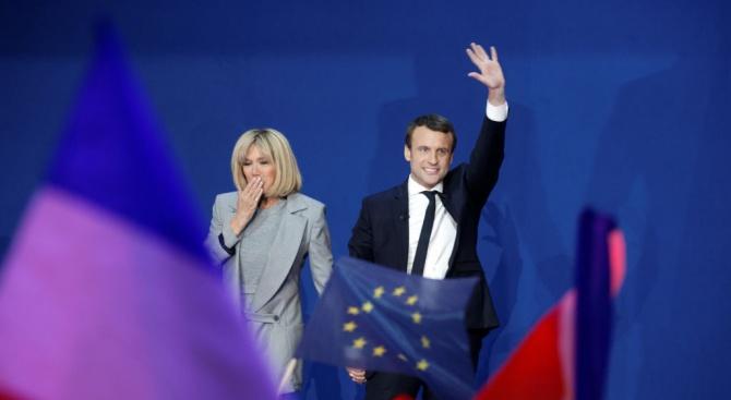 Френският президент Еманюел Макрон вероятно се е развел със съпругата