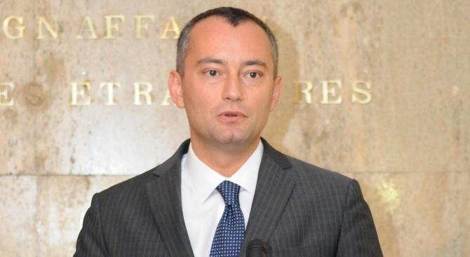 Пратеникът на ООН за Близкия изток Николай Младенов осъди днес