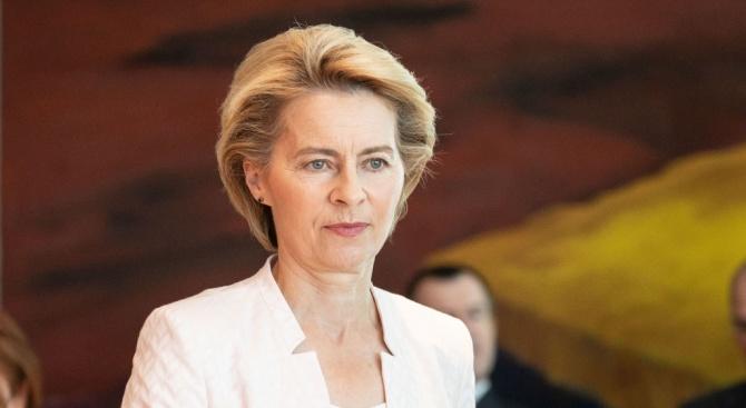Гласуват кандидатурата на Урсула фон дер Лайен за председател на ЕК