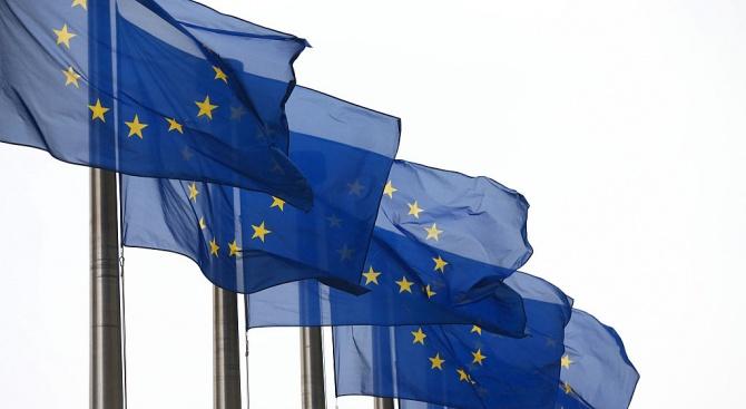 Външните министри на страните в Европейския съюз наложиха първоначални санкции