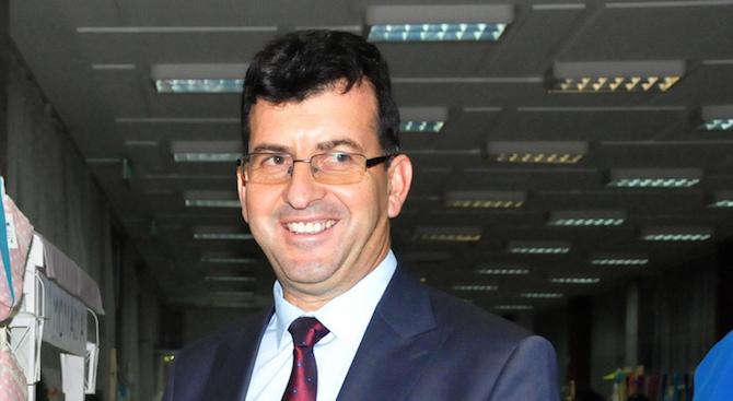 ЕНП ще подкрепи кандидатурата на германският военен министър Урсула фон
