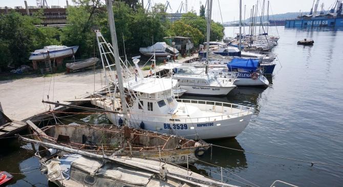 Собственици на лодки и яхти се събраха на протест, срещу