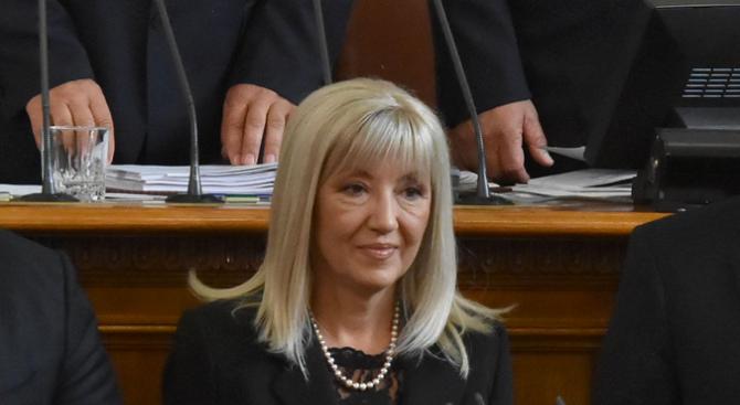 Петя Аврамова обясни защо АПИ е спряла продажбата на винетки