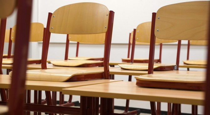 МОН стартира процедура за обновяване на професионалните гимназии в страната