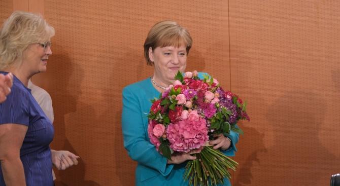 Федералният канцлер Ангела Меркел е в добро здраве и е