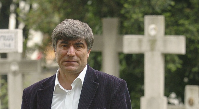 Осъдиха убийци на турския журналист от арменски произход Хрант Динк