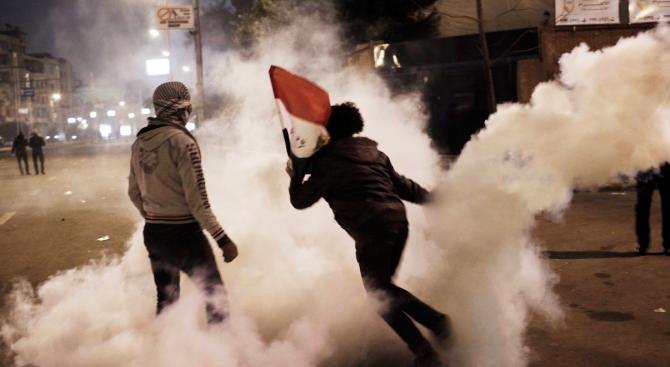 Десетки хиляди алжирци се излазоха отново днес на протести по
