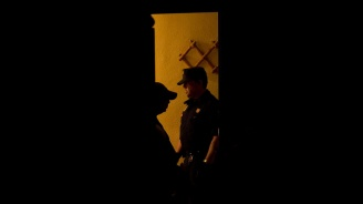 Четирима неизвестни изнасилиха 17-годишна тийнейджърка