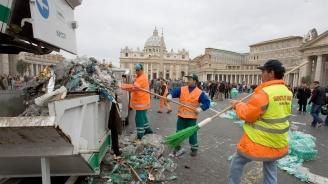 Рим се огъва под тонове боклук