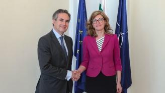 Екатерина Захариева се срещна с новия посланик на Испания у нас