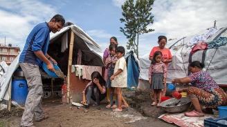 Наводненията и свлачищата в Южна Азия отнеха живота на близо 200 души