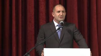 Румен Радев: Президентът не е срещу F-16. Президентът е за самолет, който ще върши работа