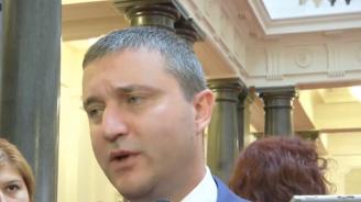Владислав Горанов: Ако си оставите колата отключена и някой ви я открадне, това не ви прави виновни