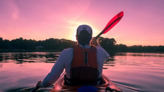 Шуменецът, плаващ по река Дунав като в роман на Жул Верн, се прибра в родния си град