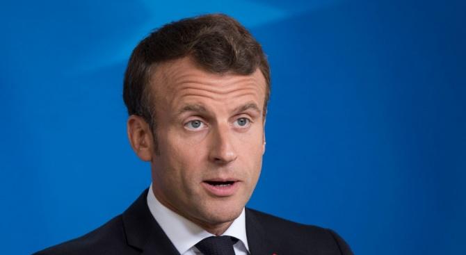 Френският президент Еманюел Макрон и министър-председателят Едуар Филип могат да