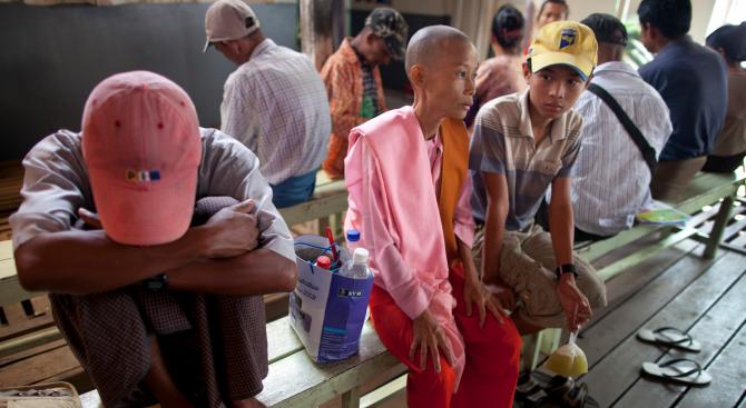 Маларийни паразити, устойчиви на ключови лекарства, се разпространяват бързо в
