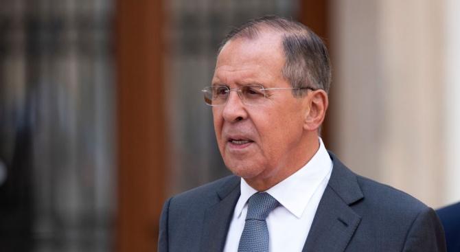 Руският външен министър Сергей Лавров пристигна снощи на официално посещение