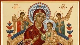 """Чудотворната икона на Божията майка """"Всецарица"""""""