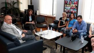 Министър Кралев се ангажира да бъде гарант за изпълнението на програмата на сестри Стоеви до Олимпийските игри