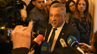 Валери Симеонов покани на среща в НС Сотир Цацаров и Младен Маринов
