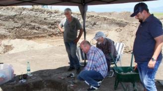Продължава проучването на надгробна могила в Тракийския и античен град Кабиле