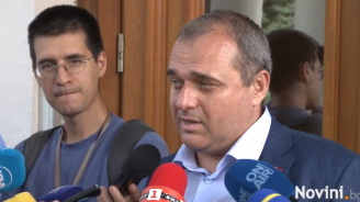 Искрен Веселинов: Две години се занимаваме само със самолети, взе да ми омръзва