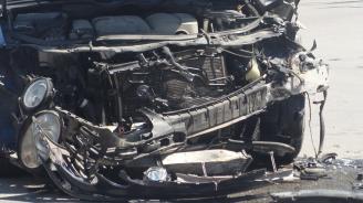 Катастрофа между автобус и кола: Жена пострада тежко