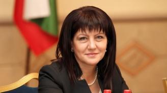 Караянчева ще открие изложба, посветена на 70-ата годишнина от установяването на дипломатически отношения между България и Китай