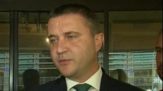 Горанов: Сделката за F-16 се превърна в популистки дебат, а не в дебат за армията
