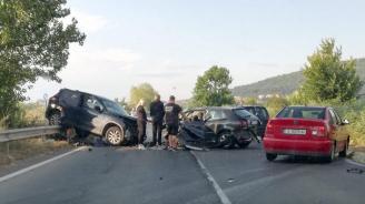 С опасност за живота са двама от пострадалите при катастрофата край Обзор, при която загина 34-годишна жена