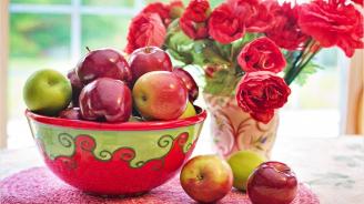 Всяка ябълка съдържа до 100 милиона бактерии