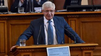 Министър Ананиев: Осигуреността с лекари в България е традиционно висока, има проблем с медицинските сестри
