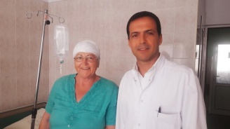 """Неврохирург от """"Пирогов"""" спаси жена с мозъчен тумор"""