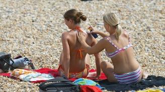 Химикалите от слънцезащитните кремове увреждат автомобилните покрития